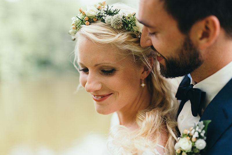 natural beauty natural bride haarkranz flowers make-up