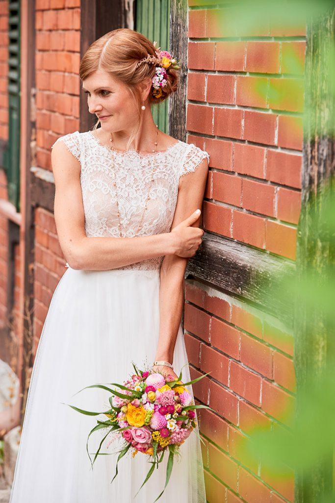 Braut Sommer Blumen Spitze Lace Hair & Make-up